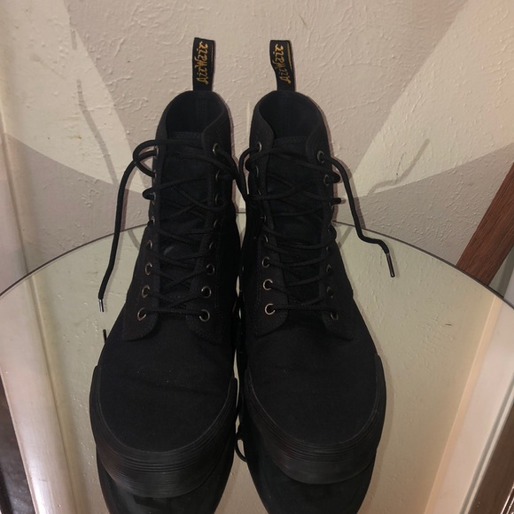 dr martens winsted leather